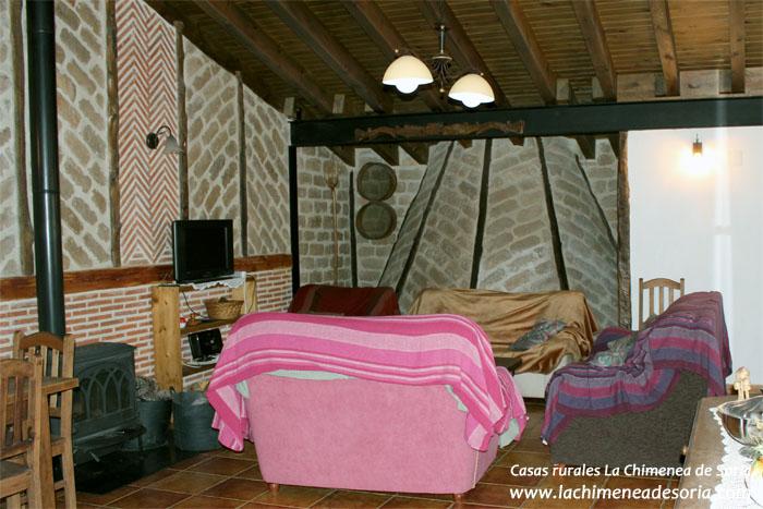 Casa rural en el Cañón del Río Lobos planta alta salon