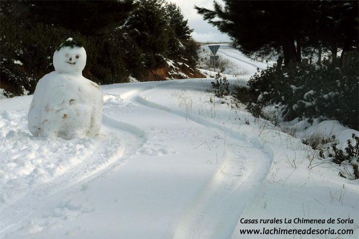 Muñeco de nieve en Espeja de San Marcelino