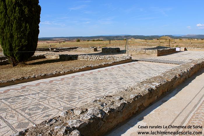 ruinas romanas de clunia yacimiento arqueologico burgos peñalba de castro