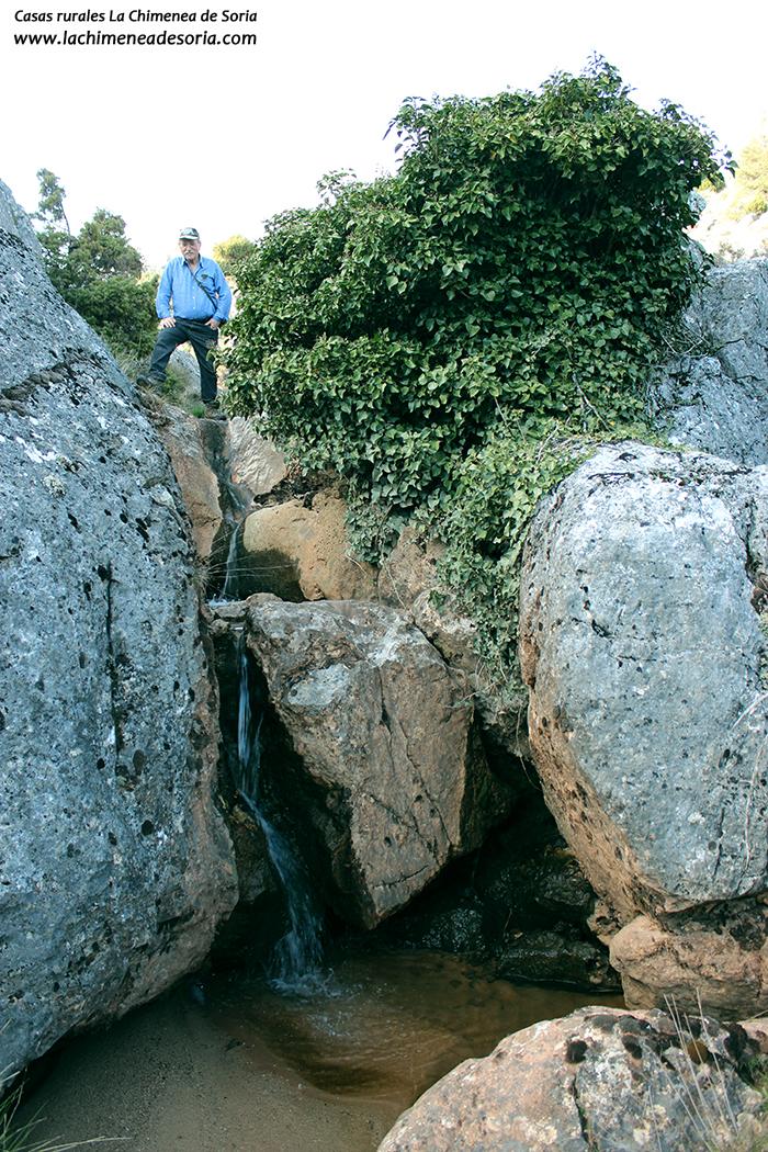 cascada arroyo río espeja