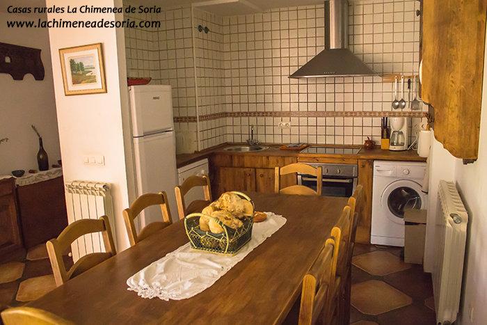 Casa Rural en el Cañón del Río Lobos La Chimenea de Soria cocina
