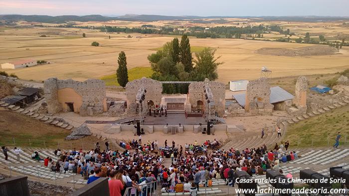 festival de clunia anfiteatro romano