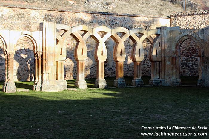 soria monasterio san juan de duero ruinas claustro arcos