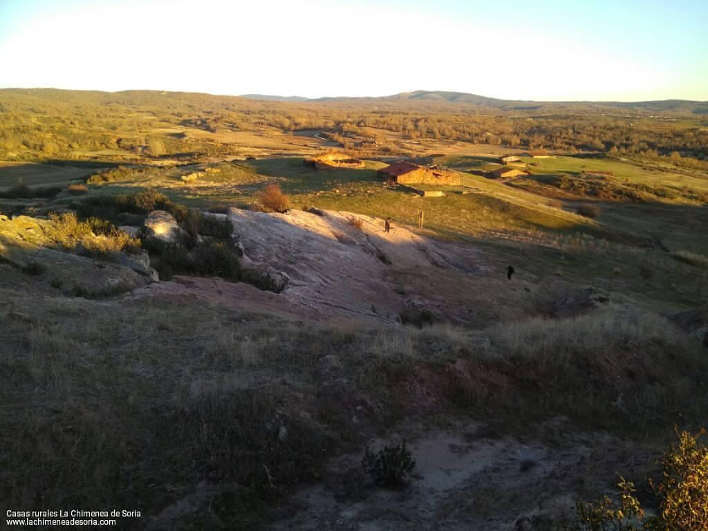 yacimiento de costalomo icnitas dinosaurios huellas