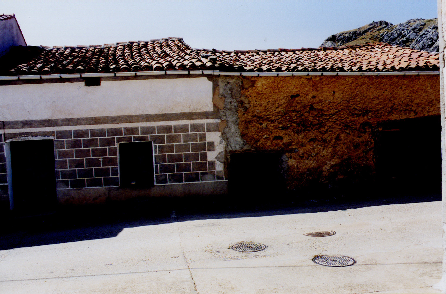 Antigua fachada de la casa rural La Chimenea de Soria