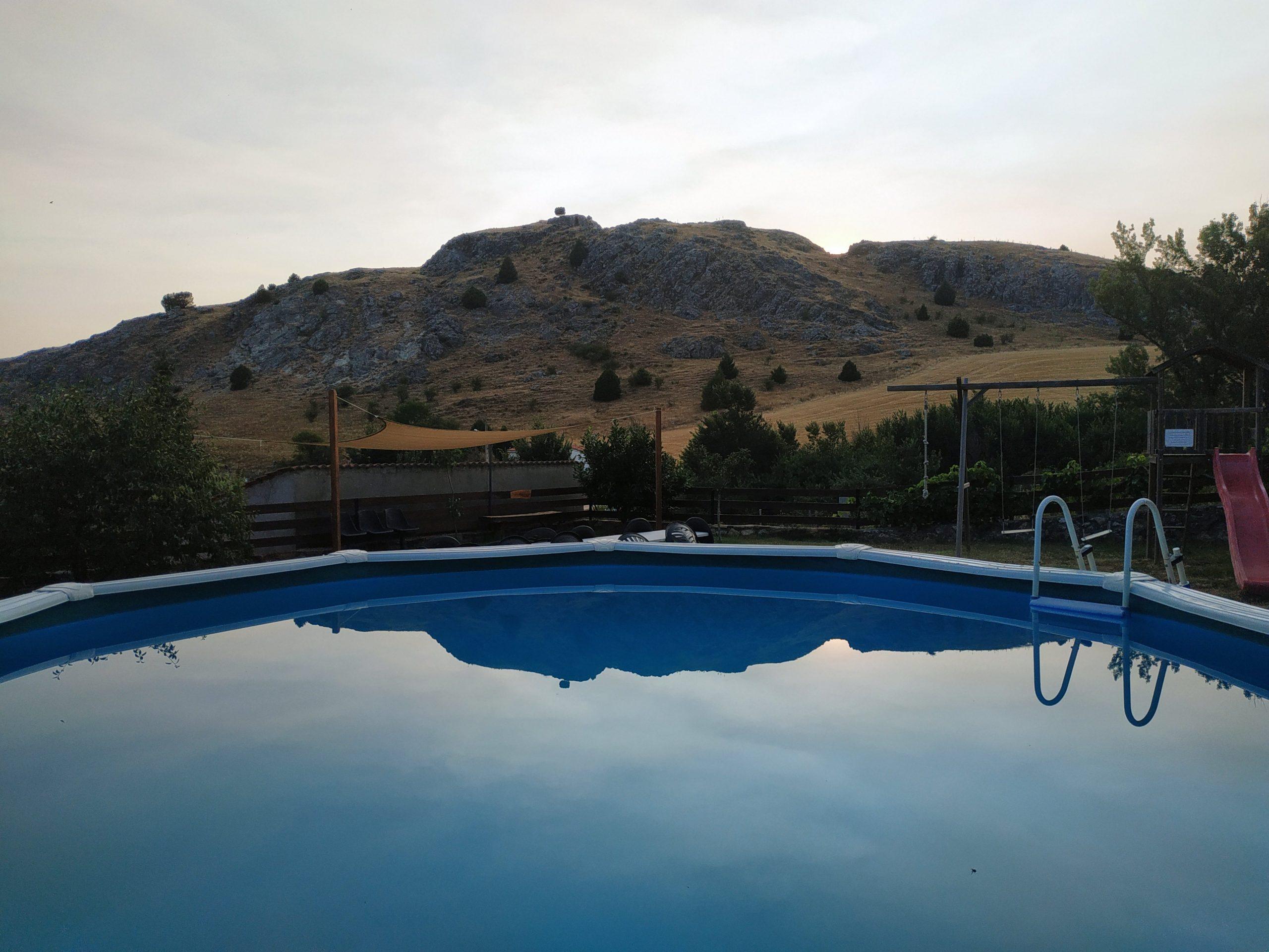 piscina casa rural soria